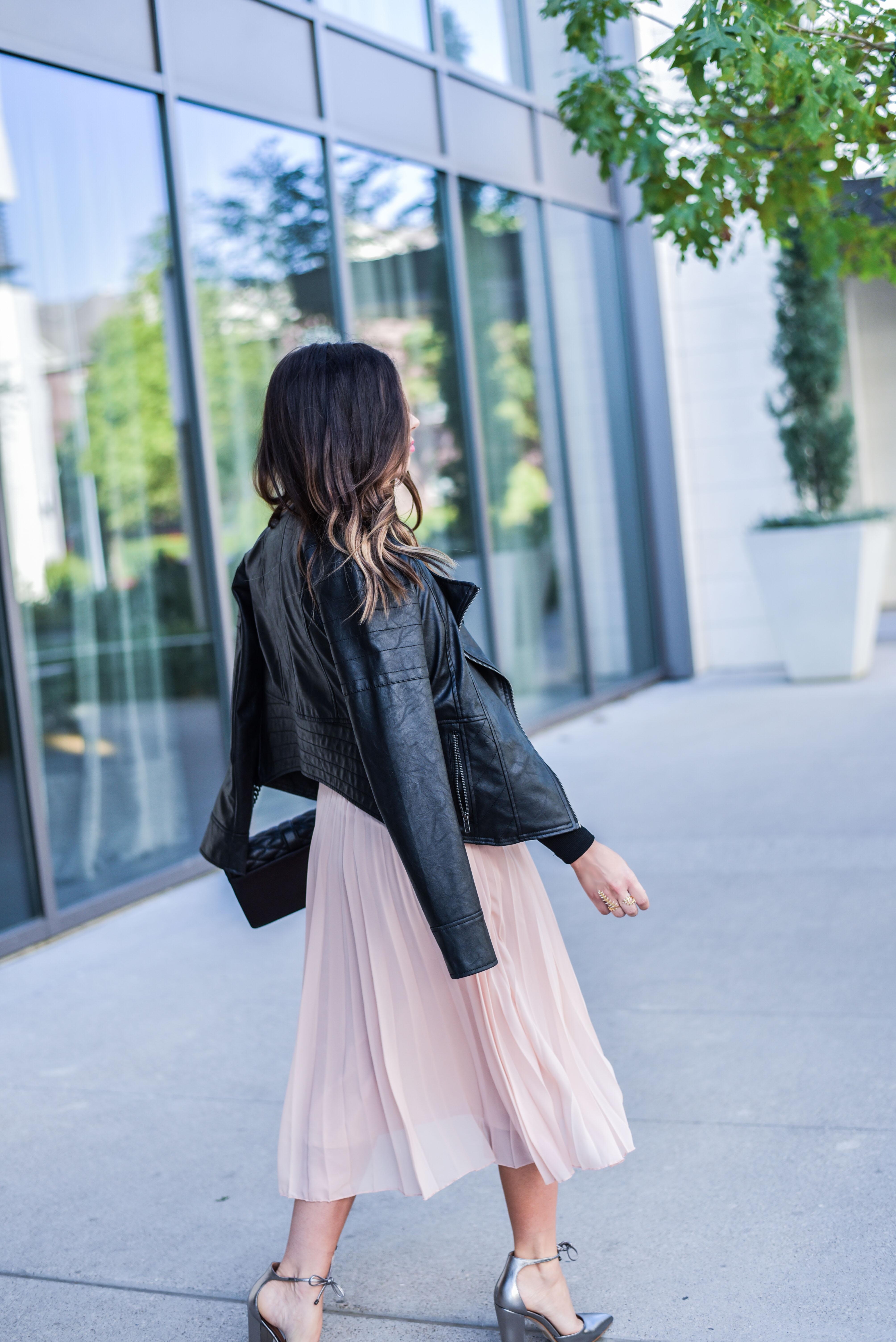 the prettiest pink skirt