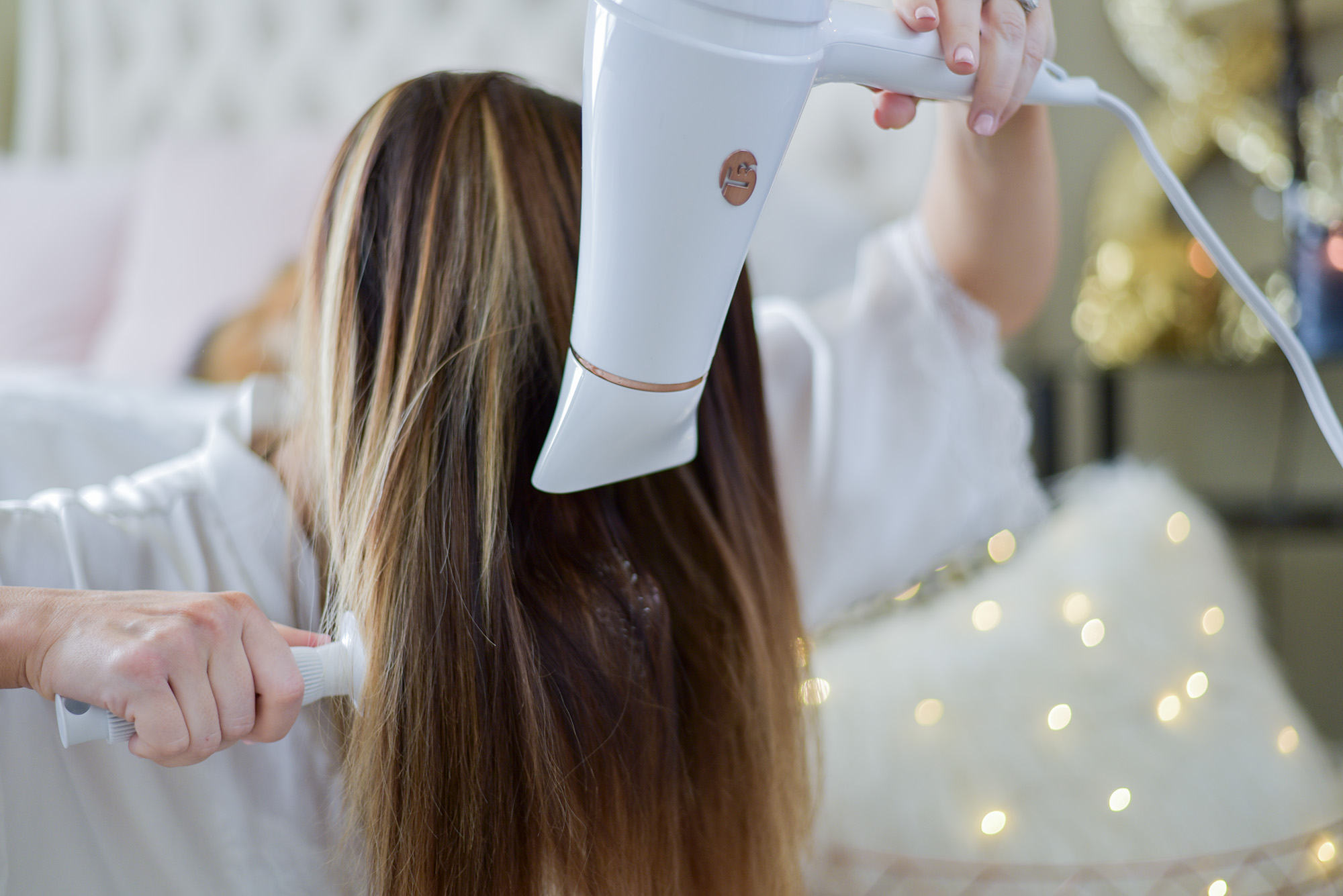Houston fashion blogger Tiffany Jais of Flaunt and Center giving a hair tutorial with T3 styling tools |