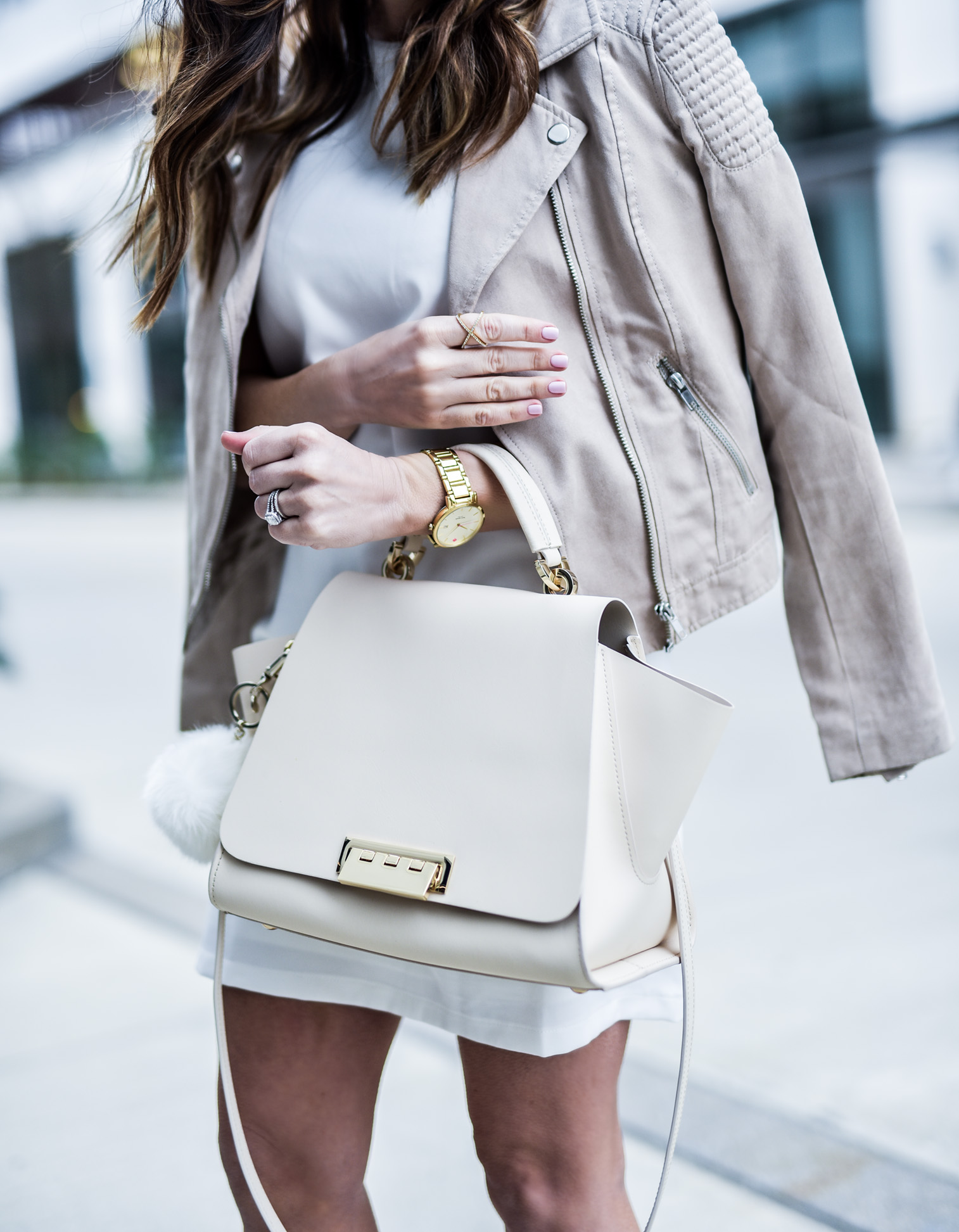 Timeless closet staples  Tiffany Jais Houston fashion and lifestyle blogger wearing a white shift dress from asos and steve madden slithur heels with a zac zac posen bag, click to read more