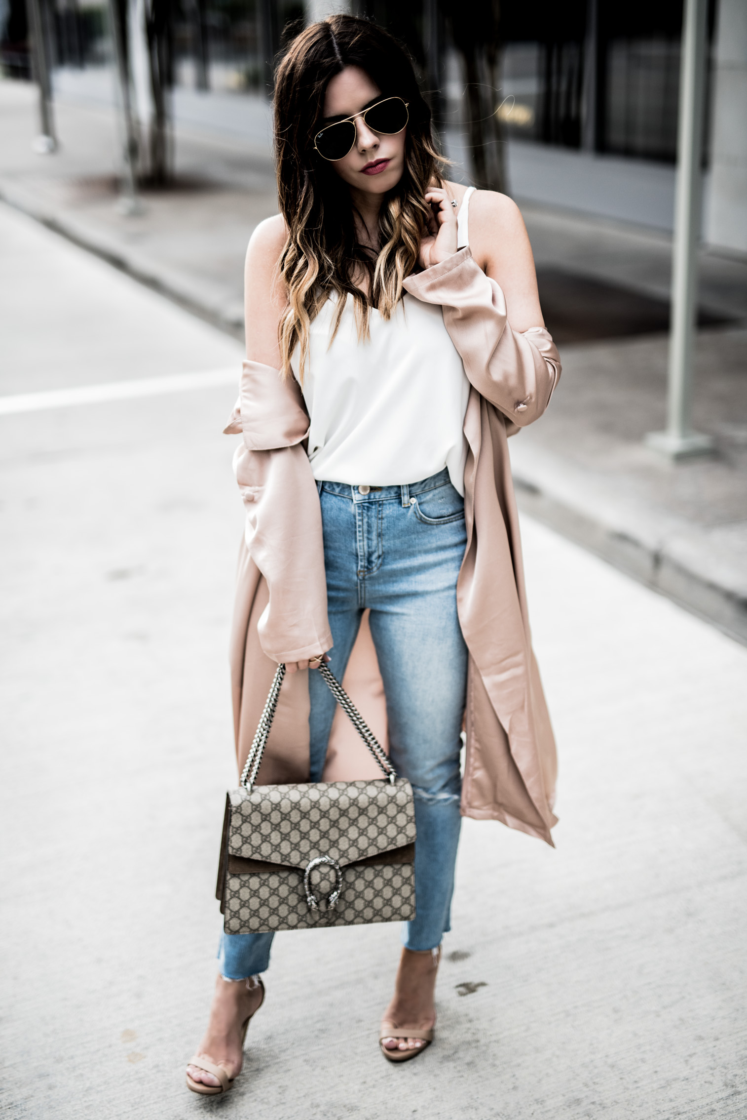 Houston fashion and lifestyle blogger Tiffany Jais | How to add light layers in the spring time, spring outfit ideas, gucci dionysus bag, straight leg denim jeans, satin duster jacket