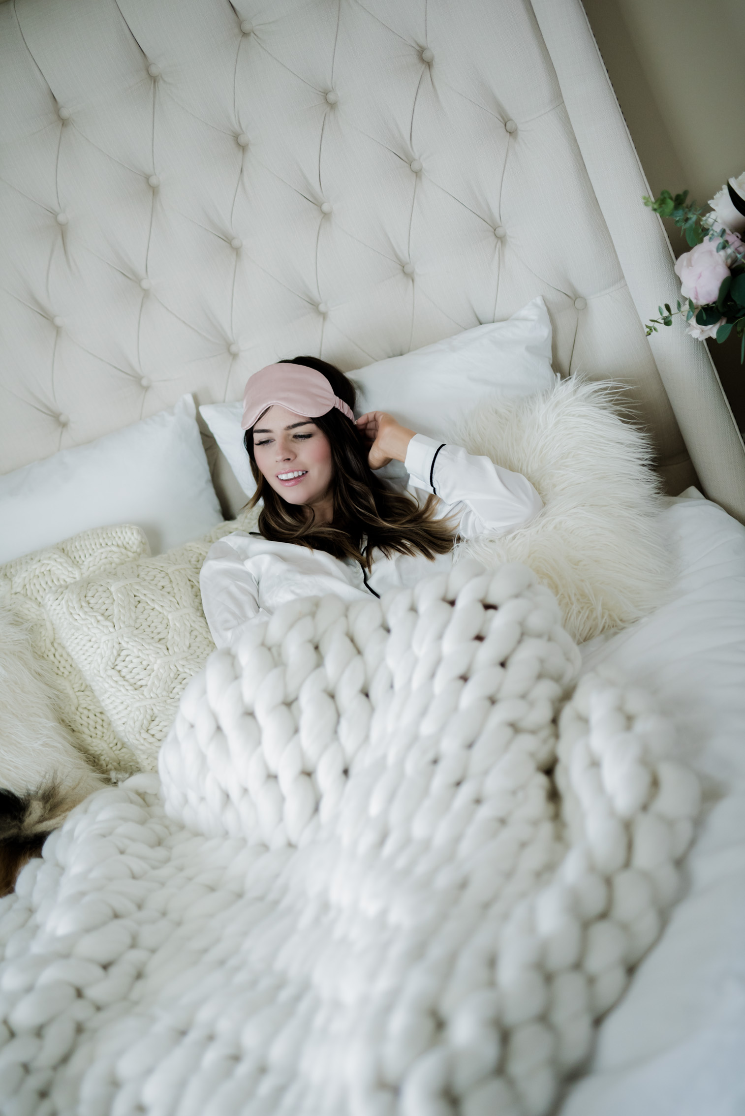 Tiffany Jais Houston fashion and lifestyle blogger | Lull mattress, chunky wool knit blanket for under 100