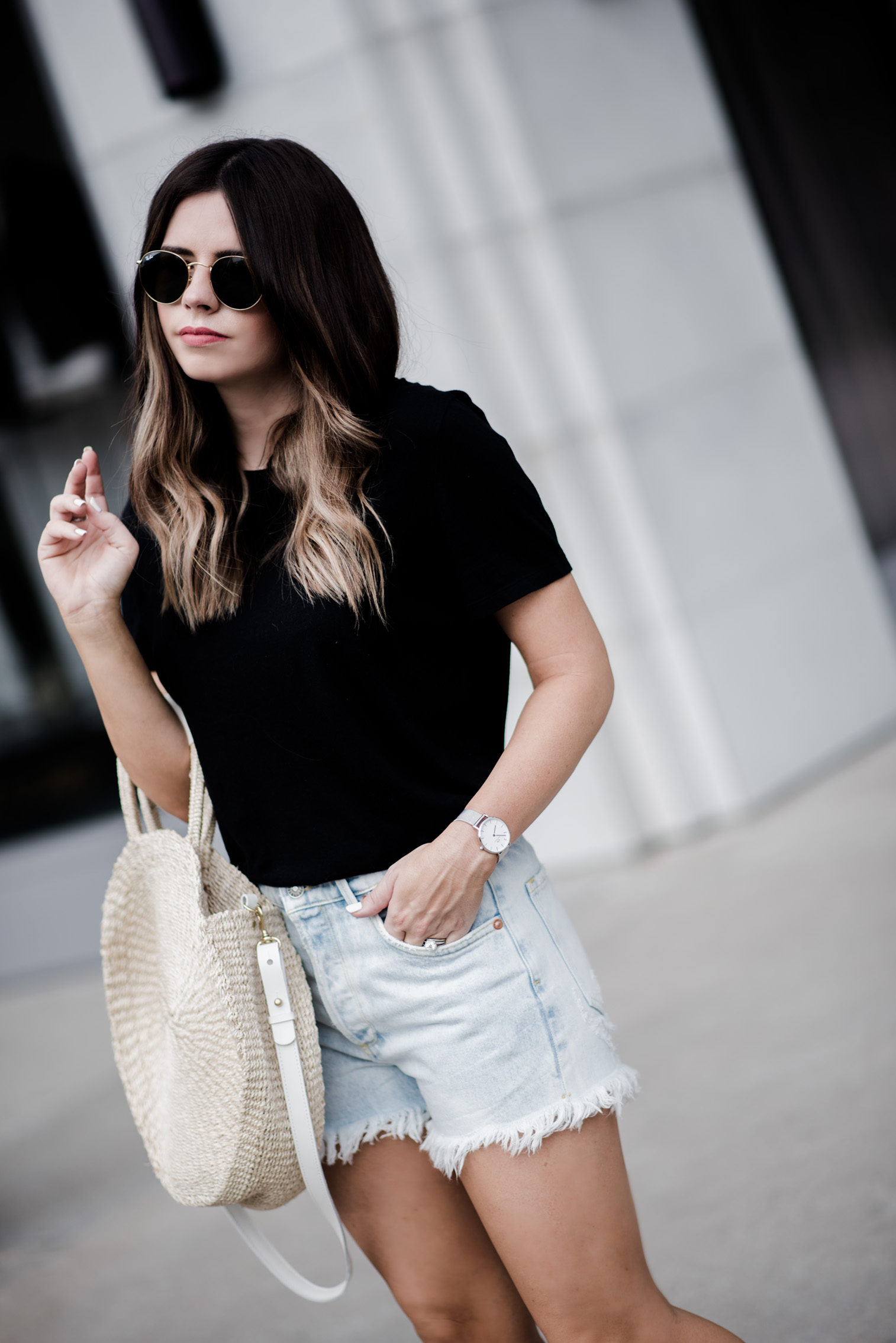 Tiffany Jais Houston fashion and lifestyle blogger | Back to basics | Denim cutoff shorts outfits, summer street style outfits, round straw tote bag, alice tote,