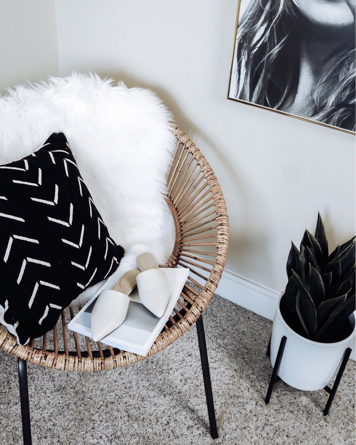 Tiffany Jais Houston fashion and lifestyle blogger | rattan chair home decor,