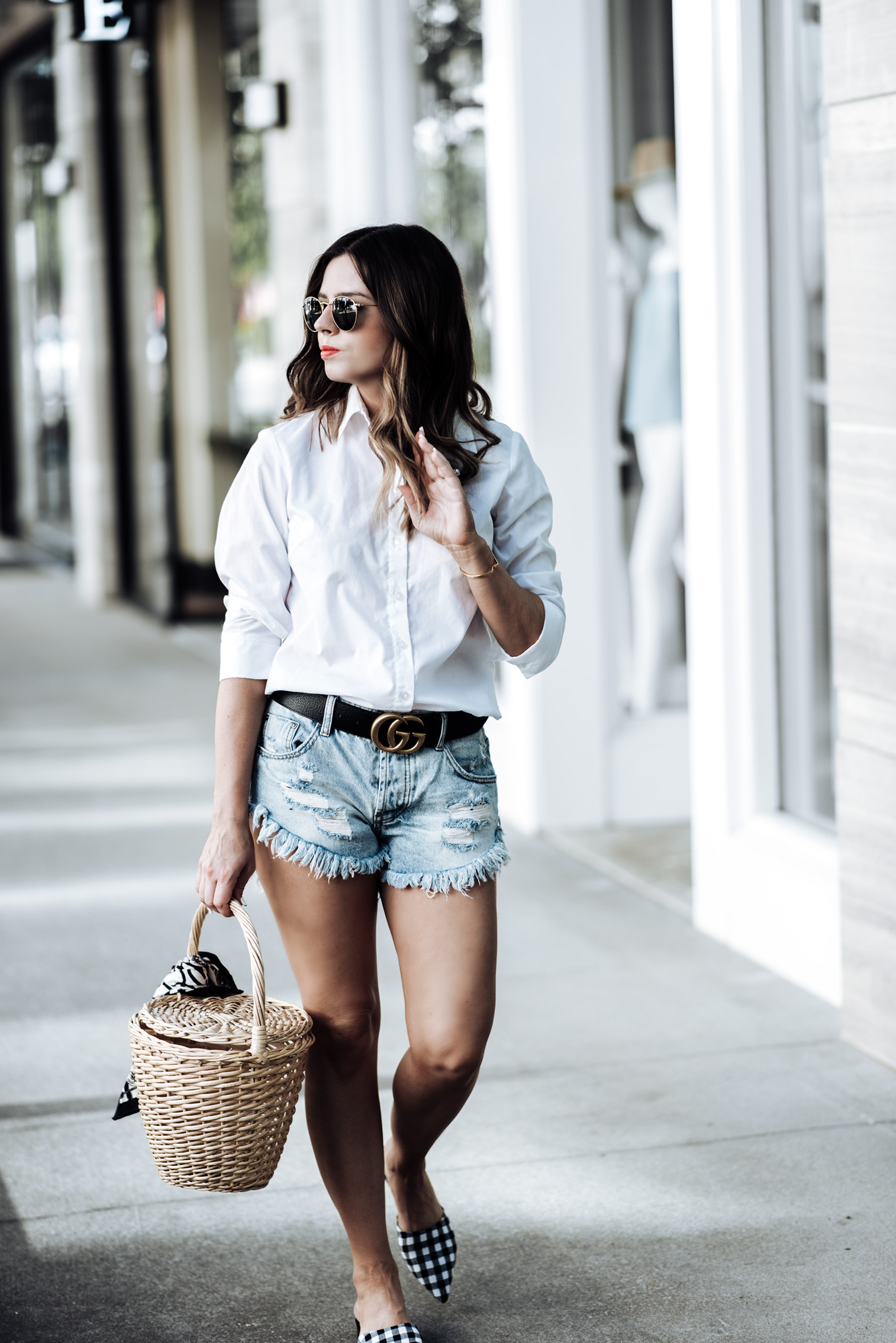 Tiffany Jais Houston fashion blogger | Gucci double g belt | White button down top | One Teaspoon shorts | Straw basket handbag | Streetstyle outfit ideas 2017 Gingham flats