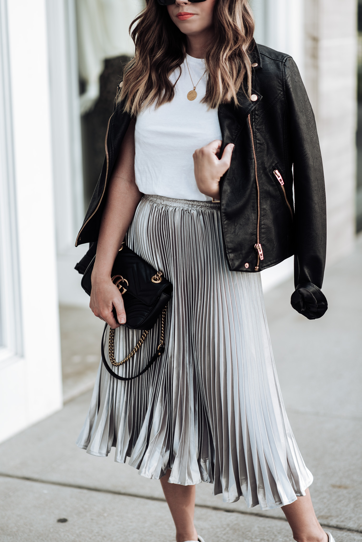 Tiffany Jais Houston fashion and lifestyle blogger | In love with pleats | Click to shop the look | pleated skirt | Streetstyle 2017 | NYFW 2017
