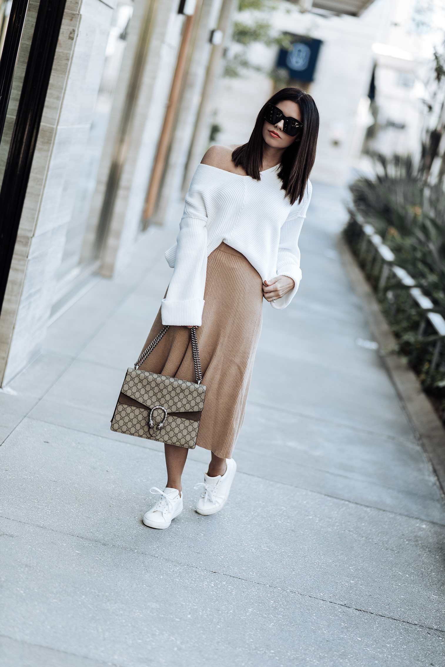 Friday feels | Shop the look | The color of this maxi skirt is so perfect for fall! I love how minimal and clean it looks paired with this oversized knit (also on sale). This is probably my favorite look for those days you want to be cozy but still look put together! It's so effortlessly clean and minimal.