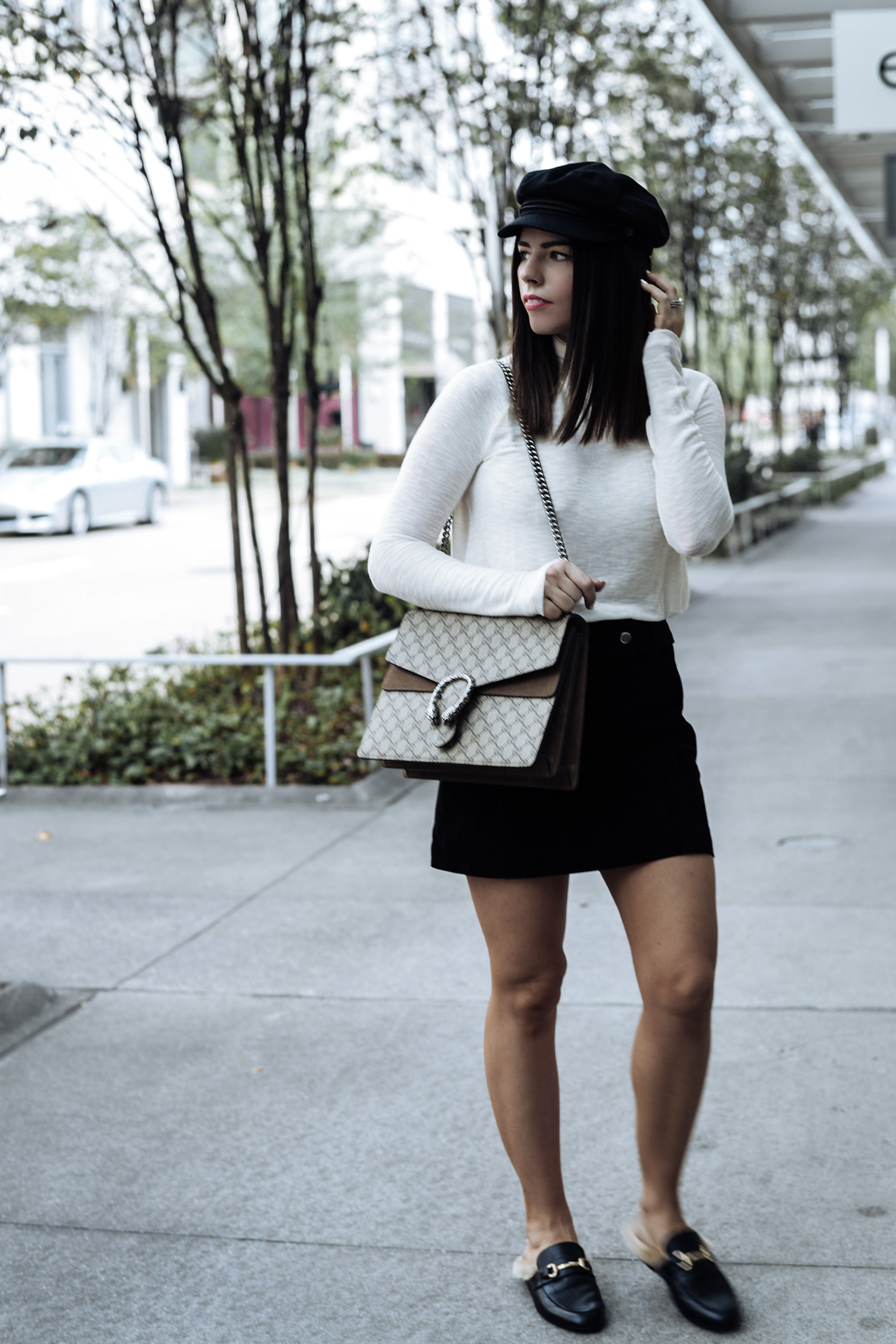 Fall staples | Click to shop | Streetstyle blogger | Weekend Snuggle Turtleneck | Suede mini skirt from Zara (also love this one) | Large Dionysus Bag | Steve Madden Jill flats | Brixton Fiddler Cap |