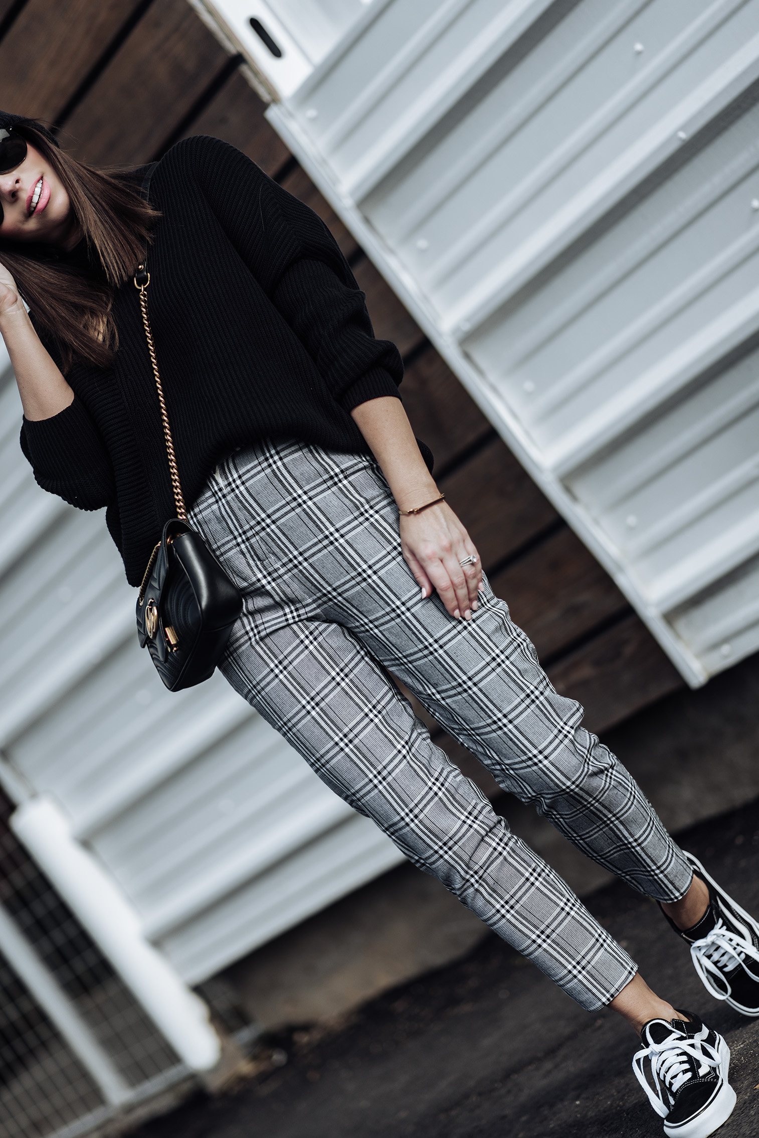 2 wardrobe staples you need in your closet this fall | Grey check print tailored pants (wearing a us size 4) | Fine knit sweater | Vans old skull sneakers | Gucci marmot bag | Monica Vinader Signature Large Bangle| Pom Pom Beanie #falloutfitideas2017 #falloutfits #vansoutfits #streetstyle