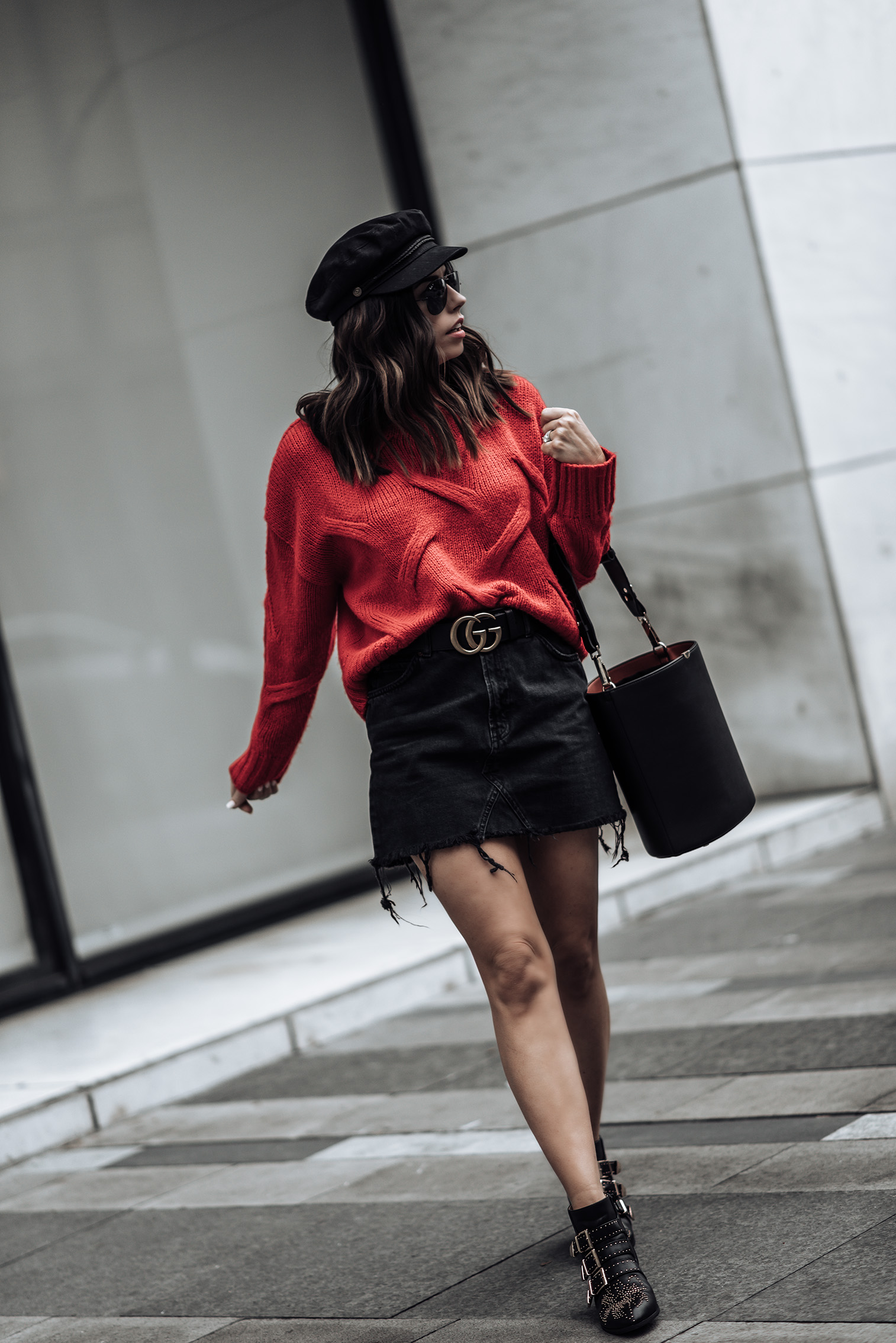 Red & Black | Red knit sweater (similar here and here) | Bucket bag (similar style here for only $25) | Black denim high waist mini skirt | Gucci Belt#gucci #streetstyle