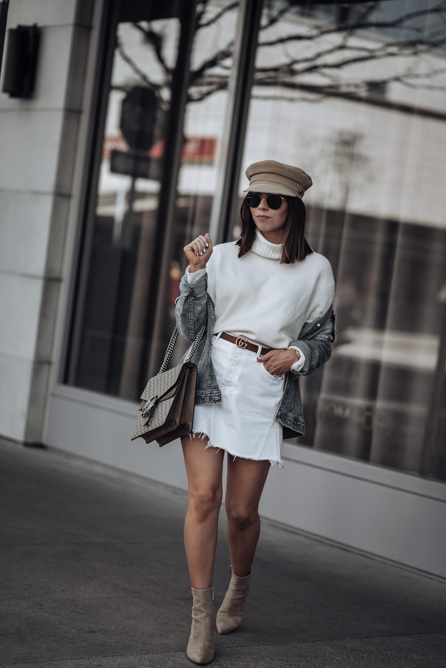 Oversized denim jacket | Tiffany Jais fashion and lifestyle blogger of Flaunt and Center | Houston fashion blogger | Straw handbag Trend | Streetstyle blog #streetstyle