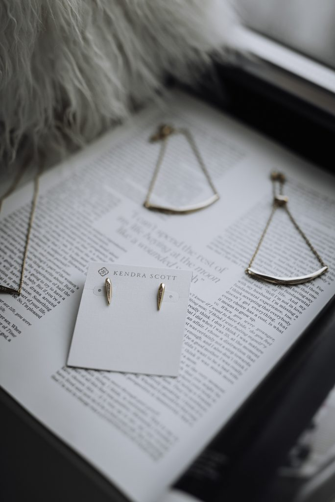 Dainty Kendra Scott pieces | Kendra Scott Tabitha necklace | Kendra Scott Angela adjustable bracelet | Montgomery Stud Earrings | #liketkit