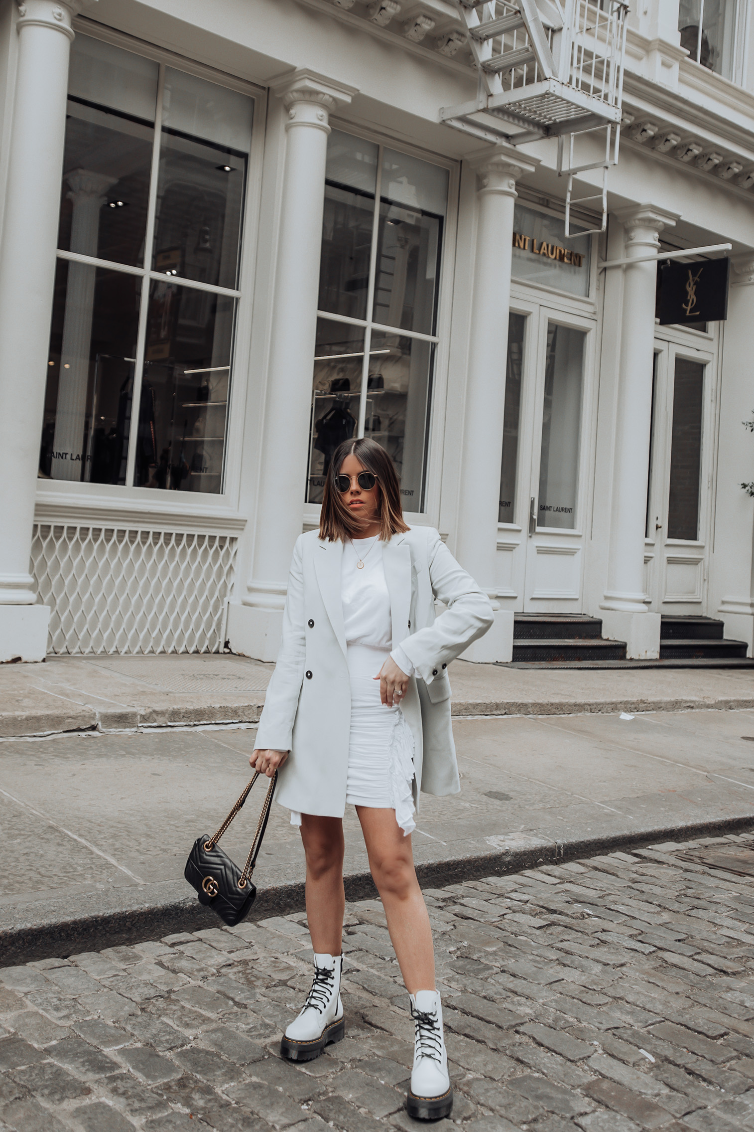 Happy Thursday loves! So I'm repeating this Mango blazer because it's seriously that good! The color is so pretty for spring and looks so cute with a little white dress! Especially if you want to give the LWD an elevated vibe. Which is always a good idea in my opinion!